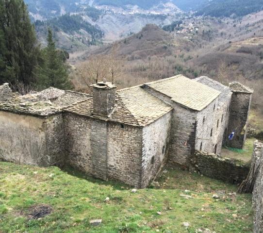 Γνώμες Μυροφυλλιτών: Μοναστήρι και Πλατεία